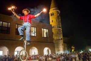 La Luna Nel Pozzo Caorle 2020: Il Festival Internazionale del Teatro di Strada